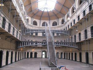 jail-831270_960_720
